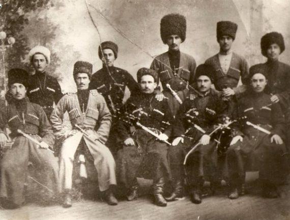 Усман-мулла, сидит второй слева